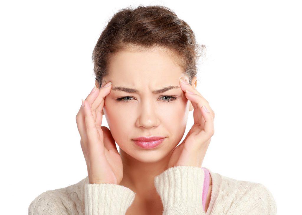 Cómo curar un dolor de cabeza sin medicamentos