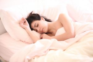 Cuáles son las mejores posturas para dormir