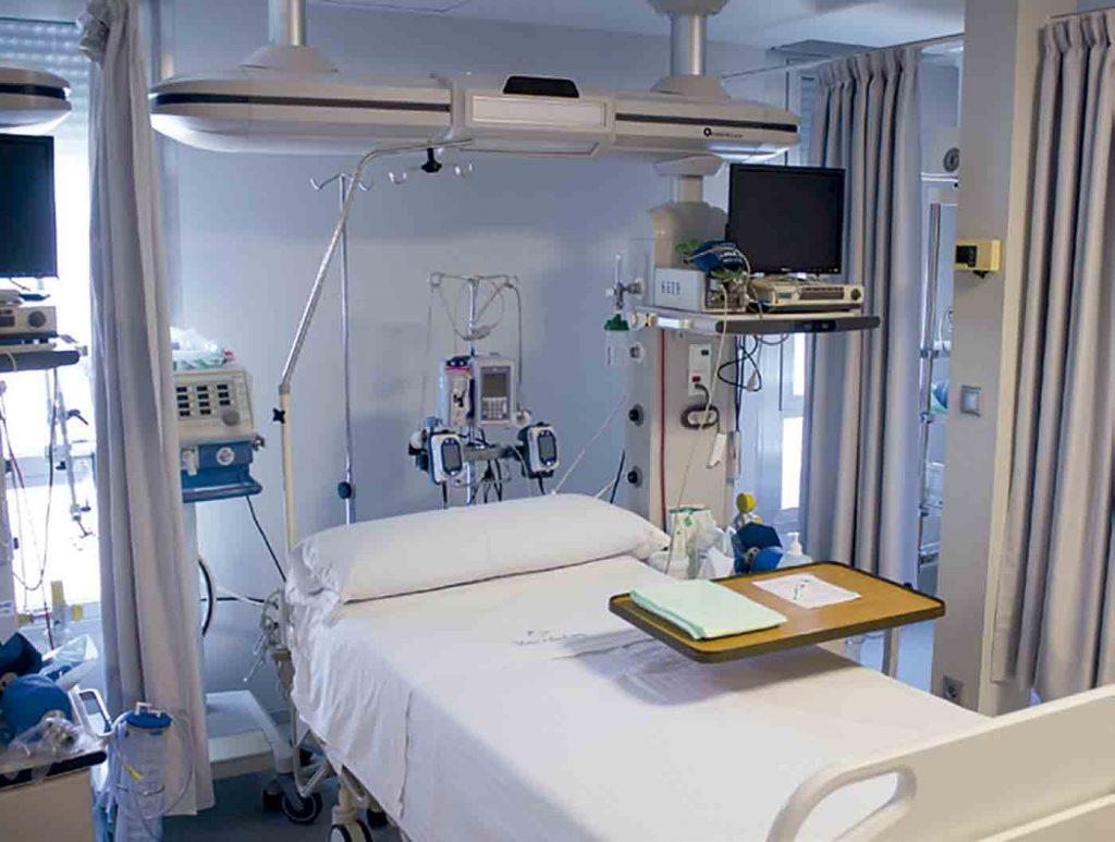 Equipamiento técnico e instalaciones en La Unidad de Cuidados Intensivos de Recoletas Red Hospitalaria.