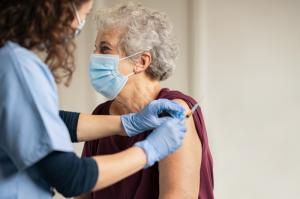 Todo lo que necesitas saber sobre las vacunas contra la COVID-19